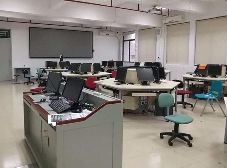 电脑机房学生台实景案例
